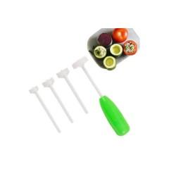 Dispozitiv pentru scobit legume si fructe